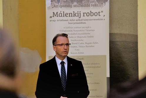 Kiállítással emlékeztek a diktatúra elszenvedőire Pest megyében