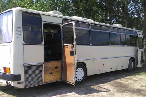 Buszok ellenőrzése Pest megyében